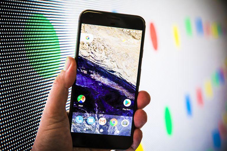 google assistant-pixel phone