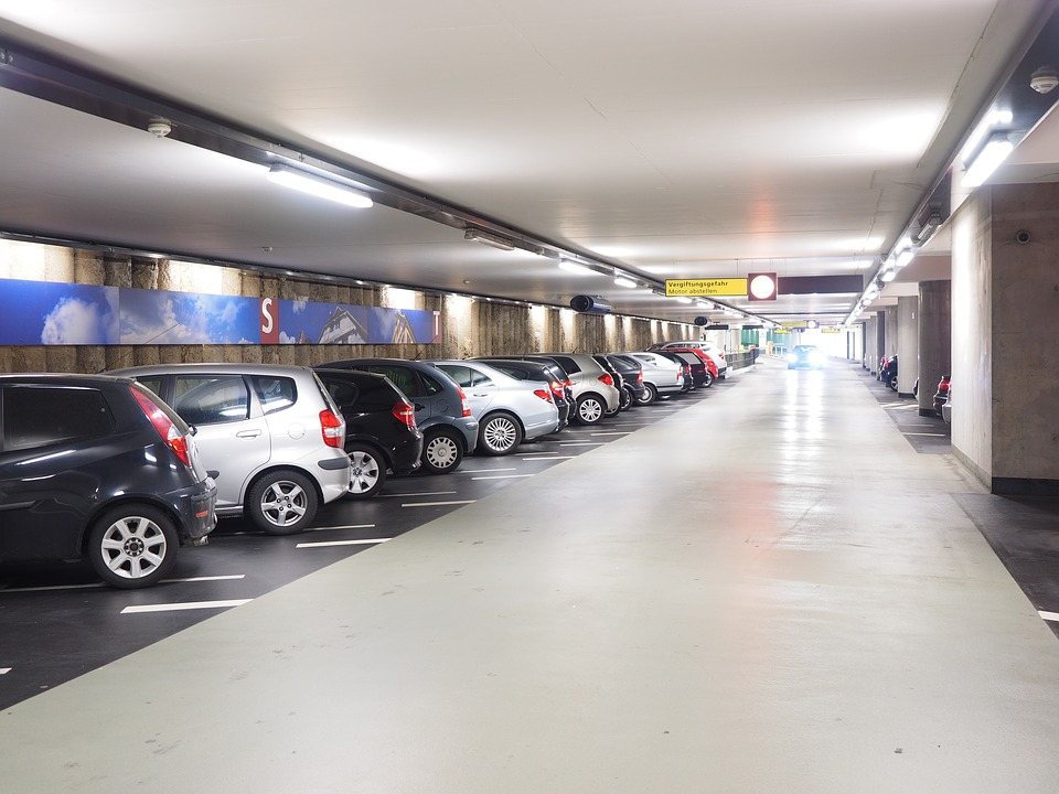multi-storey-car-park-1271917_960_720