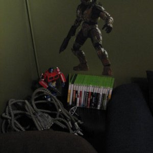 Master Chief wall cling & Optimus keeping an eye on the games